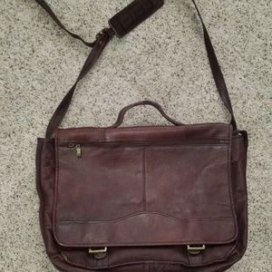 Vintage Wilson's  Leather Messenger Bag - like new
